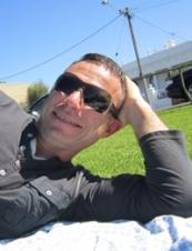 Ahmet 52 y.o. from Australia