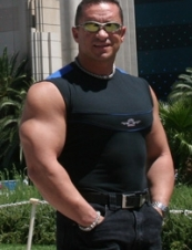 Gokhan 56 y.o. from USA