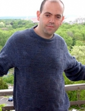 Yonatan 45 y.o. from USA