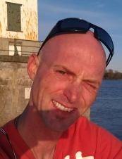 Travis 39 y.o. from USA